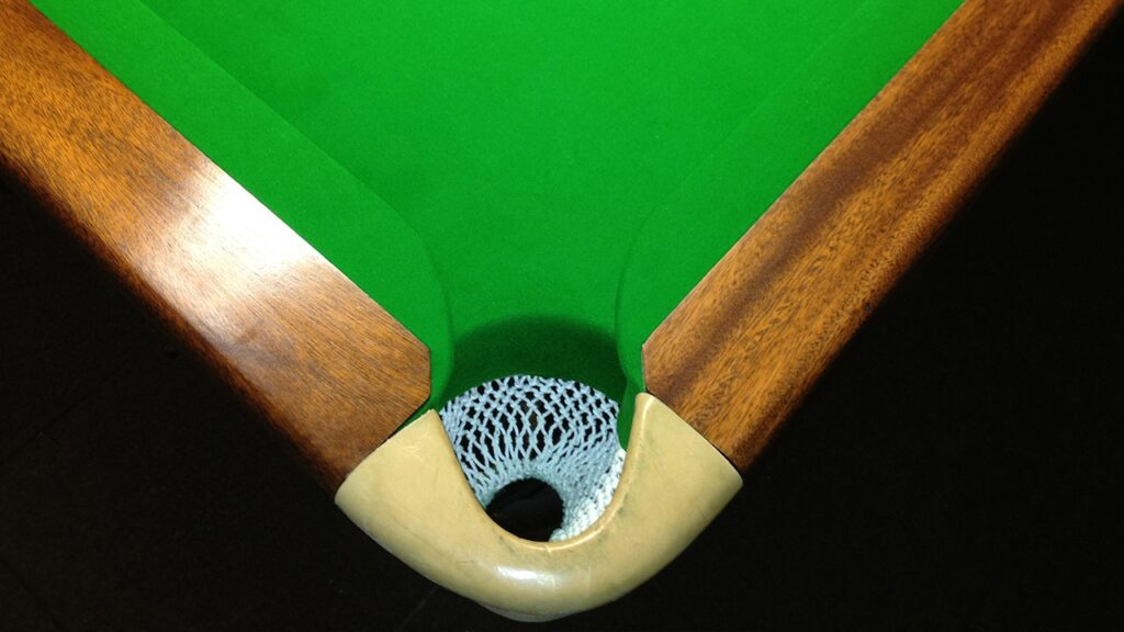 Coin-Fed Snooker Tables